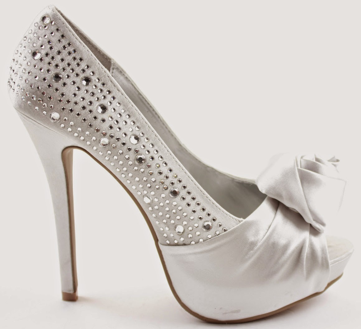 But bridal shoes aren't really fantasized about. No one is interested in Say Yes to the Shoes or can remember what Kate Hudson wore under all that Vera Wang tulle. However, the shoes you wear are a crucial part of your wedding day.