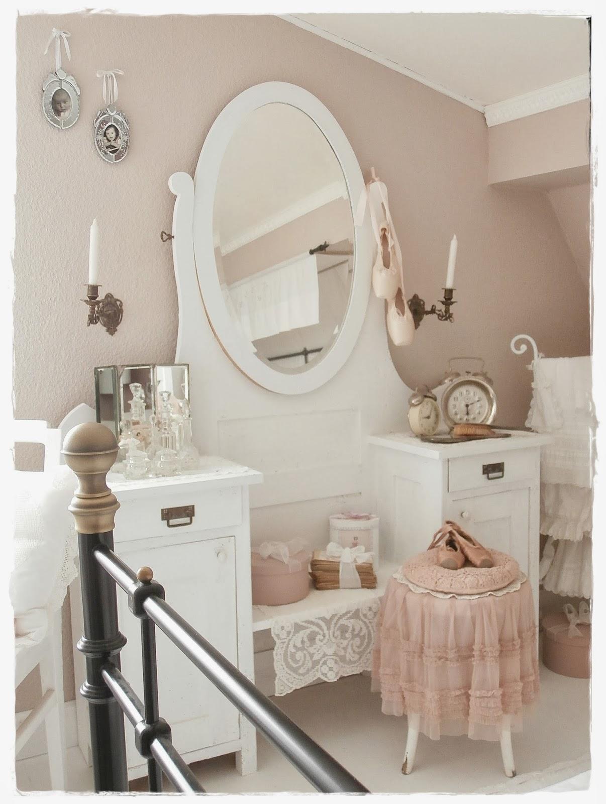 shabby landhaus vorher nachher schlafzimmer. Black Bedroom Furniture Sets. Home Design Ideas