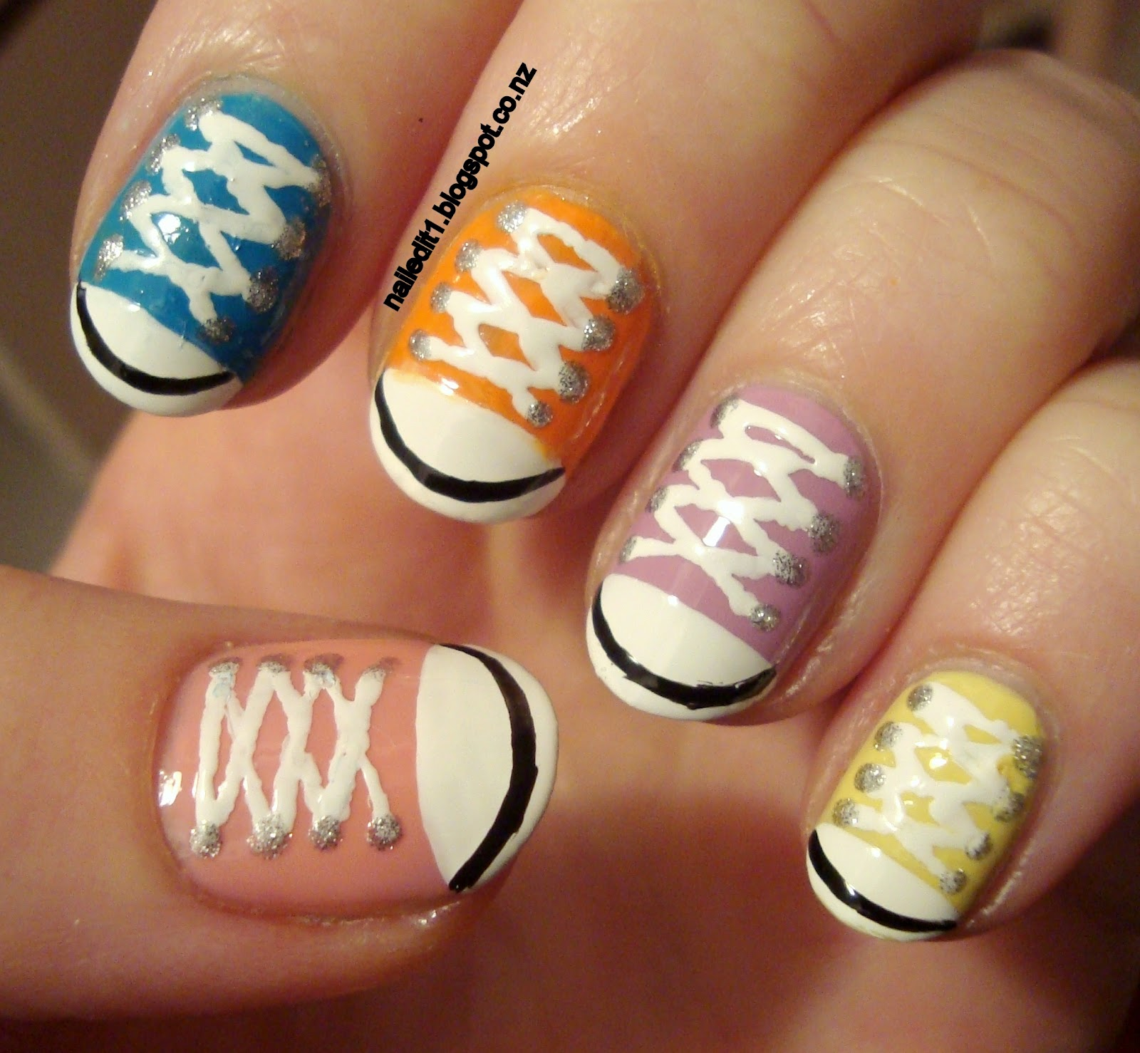 Nail Art Couture Converse Nail Art: Converse Shoes/chucks Take Two Nail Art