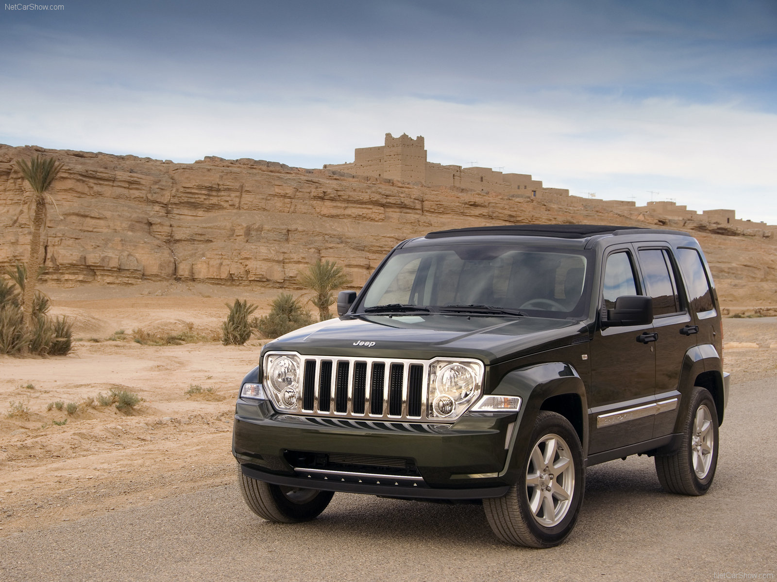 model cars latest models car prices reviews and pictures jeep cherokee. Black Bedroom Furniture Sets. Home Design Ideas