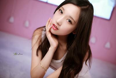 Hye Ji Cute Girl in White