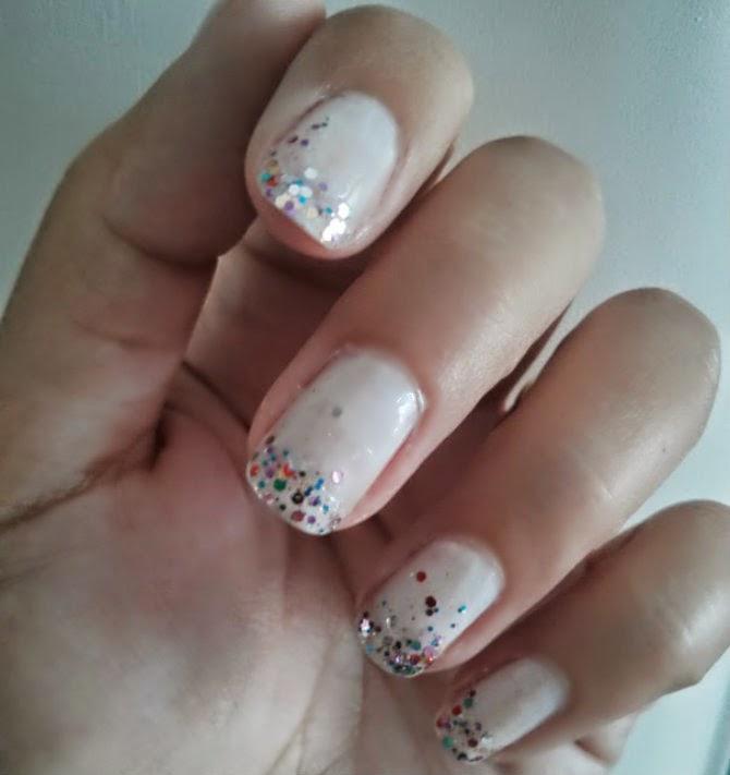 nail mani design off white glitter elegant manicure