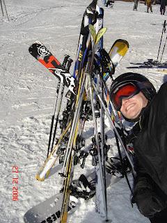Skireisen Pistenhüpfen Winterurlaub Skidooreisen Skiwandern Schneehotel und Jglu Übernachtung