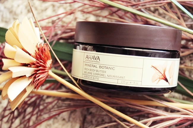 Ahava: Mineral Botanic rich body butter (hibiscus & fig). Best boddy butter in 2014. Best skincare products in 2014.