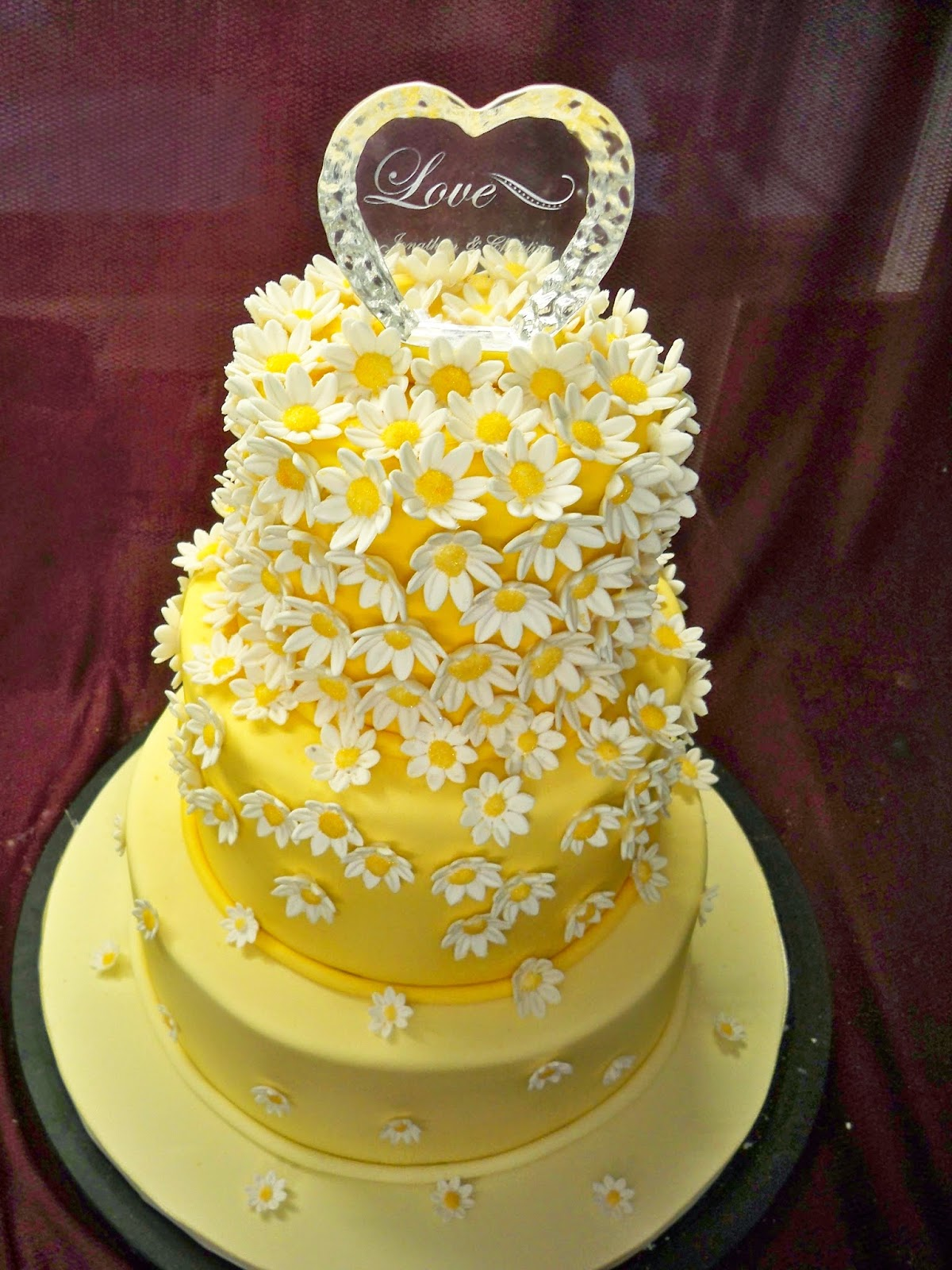 yellow daisy wedding cake | Elisabeth\'s Wedding Cakes