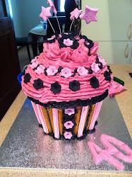 mega cupcake