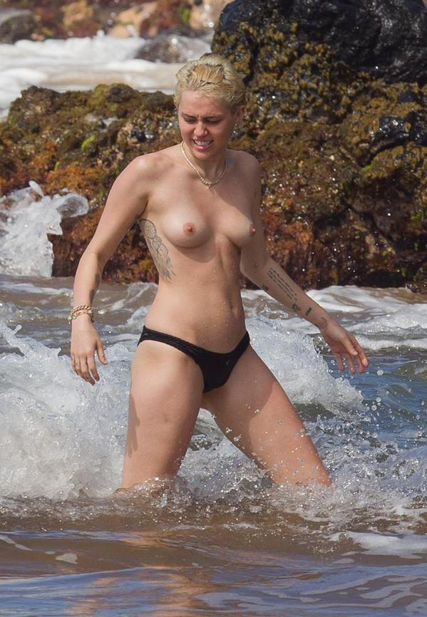 minet-na-nudistskih-plyazhah