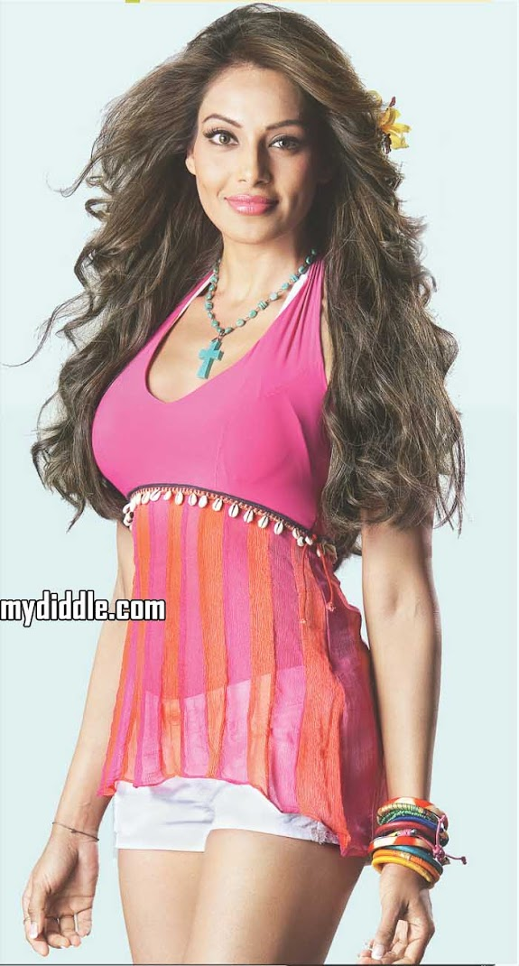 Bipasha Basu Latest Hot Wallpaper Scan