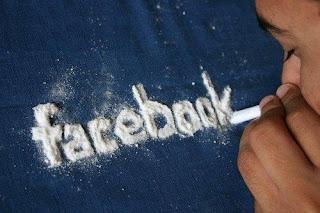 Facebook dependientes.