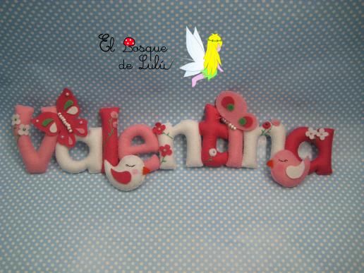 nombre-decorativo-en-fieltro-Valentina-decoración-infantil-detalle-nacimiento-personalizado-regalo