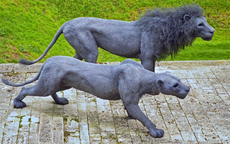 02-Lions-Kendra-Haste-Galvanised-Wire-Animal-Sculptures-www-designstack-co