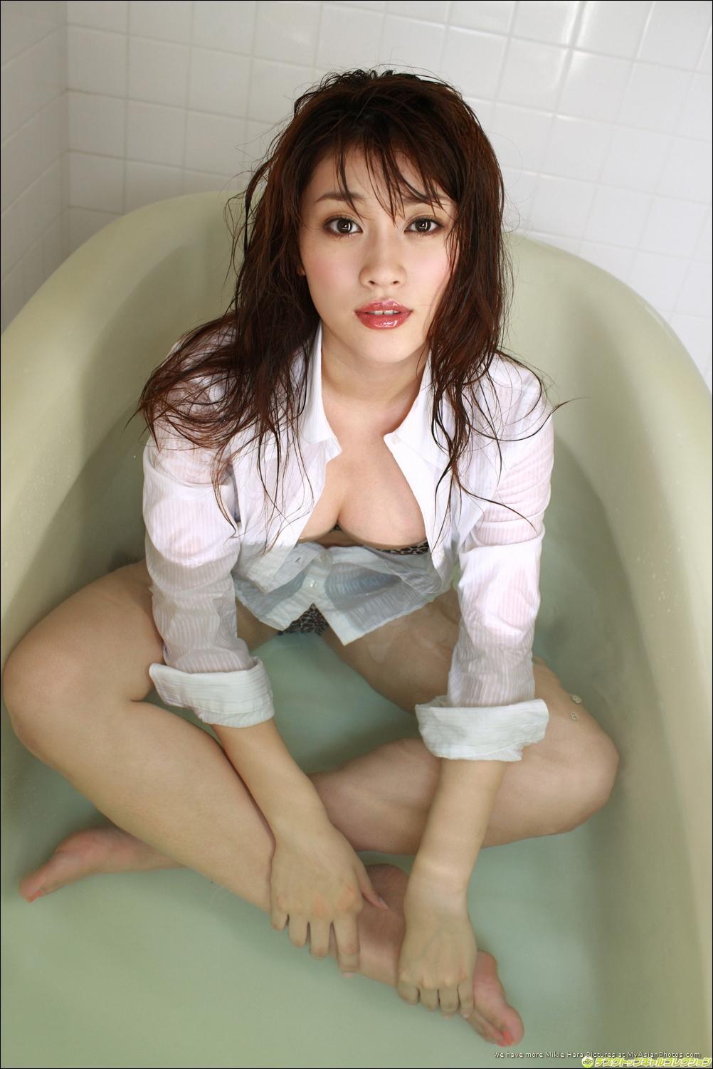 Hara mikie japanese actress gravure idol 9