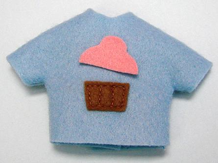 La casa de chichi manualidades camiseta de fieltro - Casas de fieltro ...