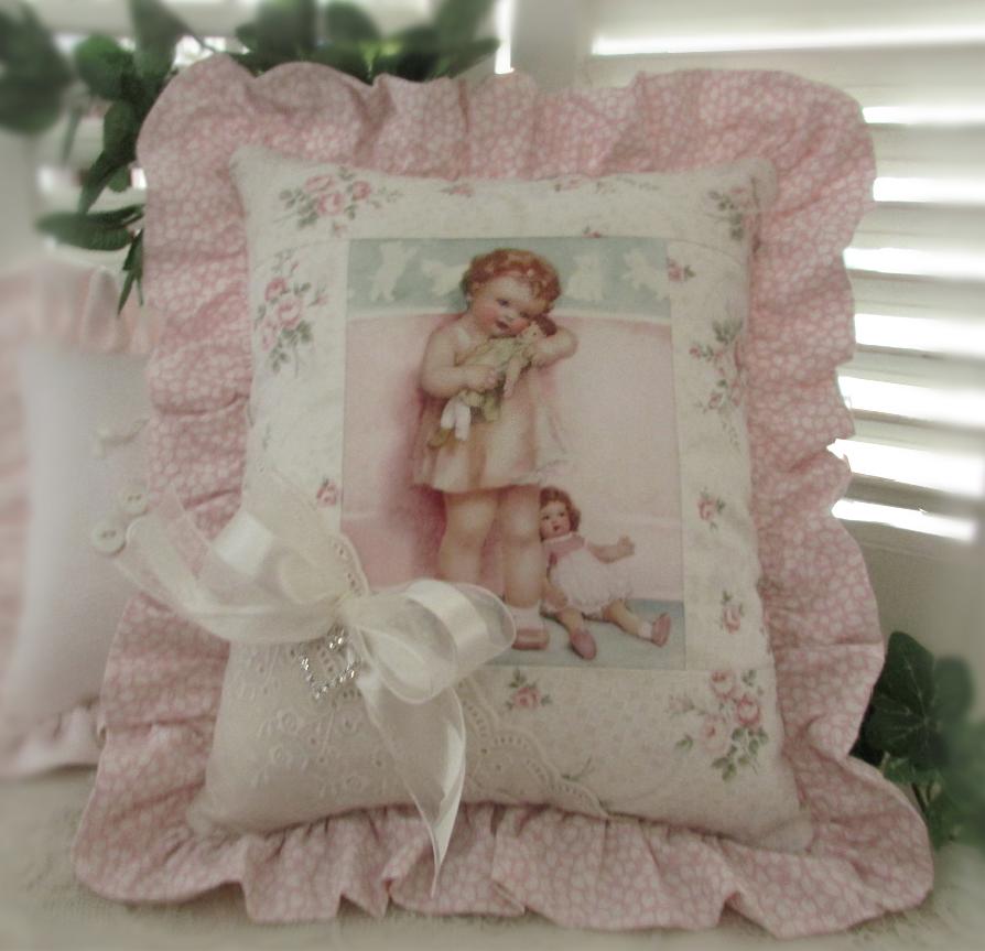 Primo cuscino 2014 :)  Cuscino con immagine Bessie Pease