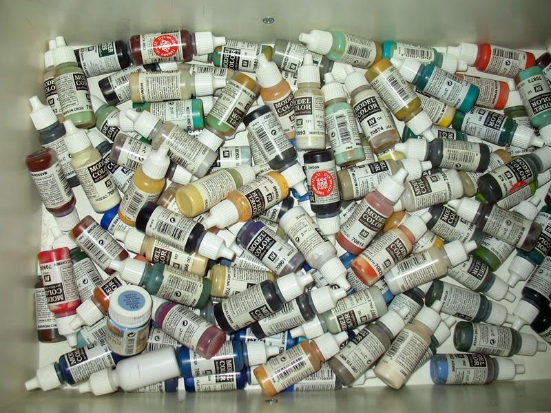 Se qcabó Por Fin, el uso del venenosísimo líquido de frenos para decapar minis de plástico y resina. Ciszewicz_Marcin_2011-05-08_0004