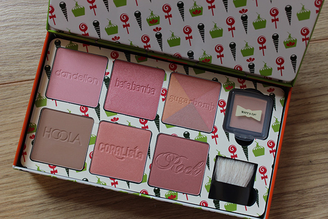 Benefit boxed blusher swatches. Watts Up, Rockateur, Coralista, Bella Bamba, Dandelion, Sugarbomb, hoola