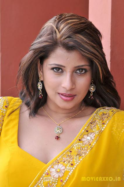 Nadeesha Hemamali bikini