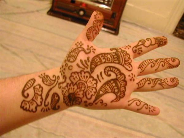 Mehndi Patterns For Little Girls : Top floral henna designs for kids mehendi
