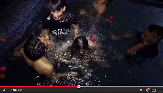 Siswi SMA Pesta Bikini, Pesta Bikini Jakarta, Pool Party Jakarta