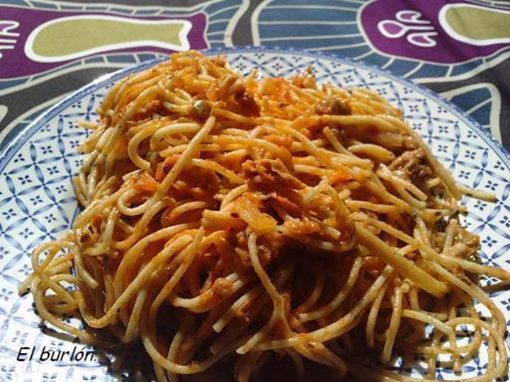 El burl n espaguetis con verduras y at n for Espaguetis para dos