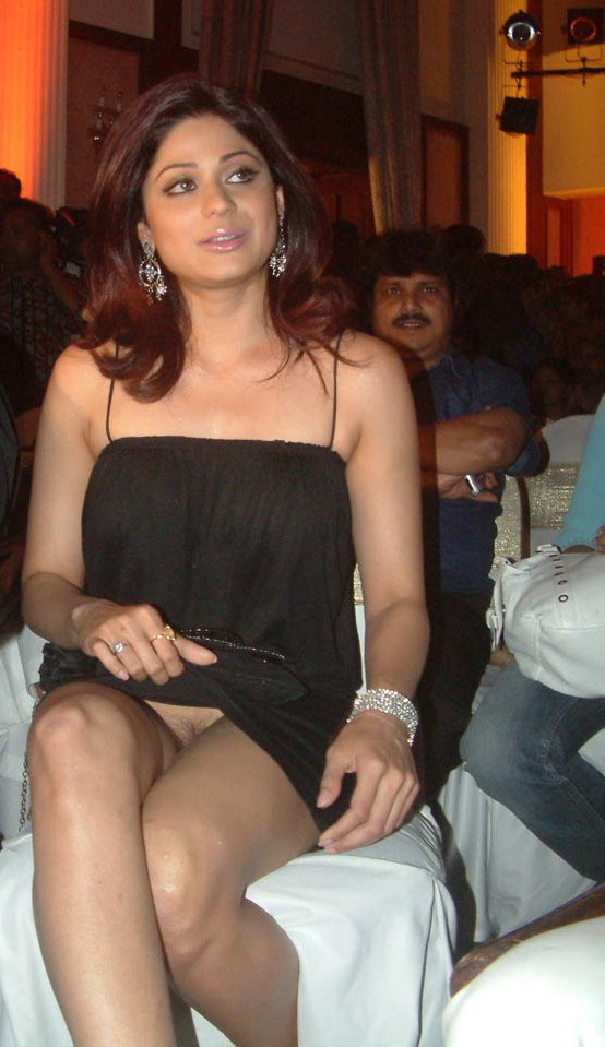 Shamita Shetty Without Panties 109