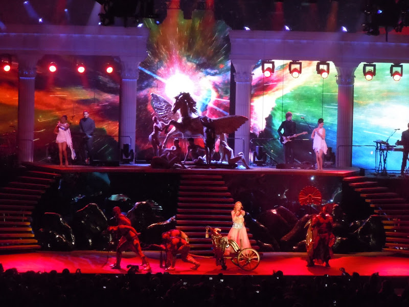 Kylie Minogue's chariot Hollywood Bowl 2011