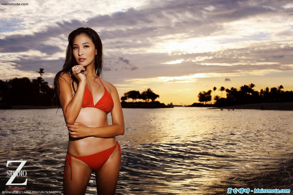 Bikini Goddess avant-class stature
