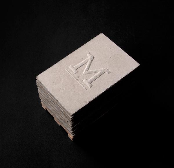 Tarjeta de presentación de concreto.