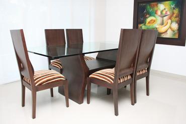 base de comedor h abierta con tope de vidrio y sillas bembe