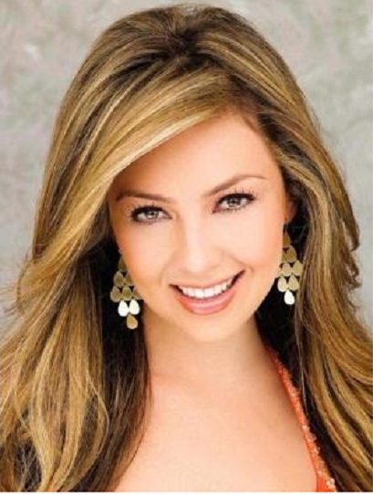 LOOK Y COLOR DE CABELLO DE THALIA