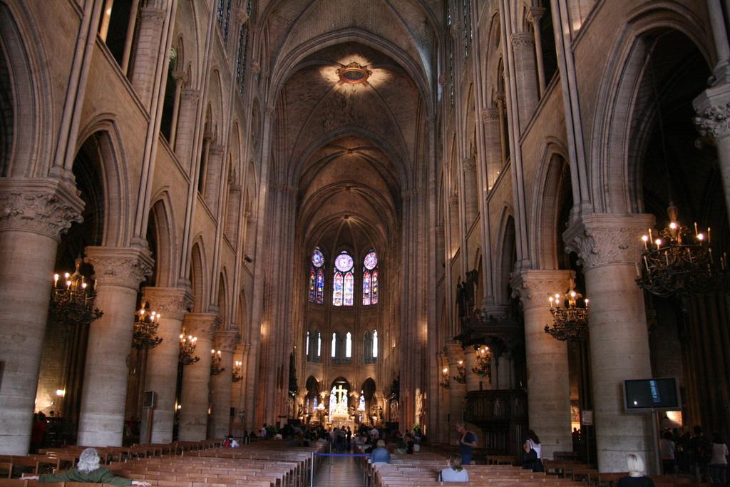 Risultati immagini per Cattedrale medievale immagini