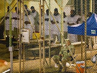 Ilustrasi. Shalat di penjara (foto cleveland.com)