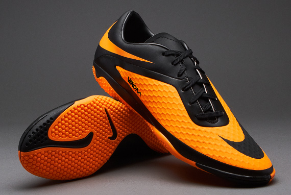 football 39 s war way nike hypervenom for futsal. Black Bedroom Furniture Sets. Home Design Ideas