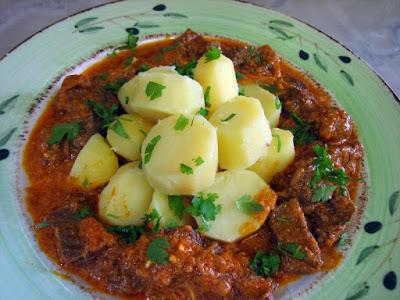 طريقة عمل اللحمة بالبصل والبطاطس, طريقة عمل اللحم, بطاطس, لحمة, اللحم