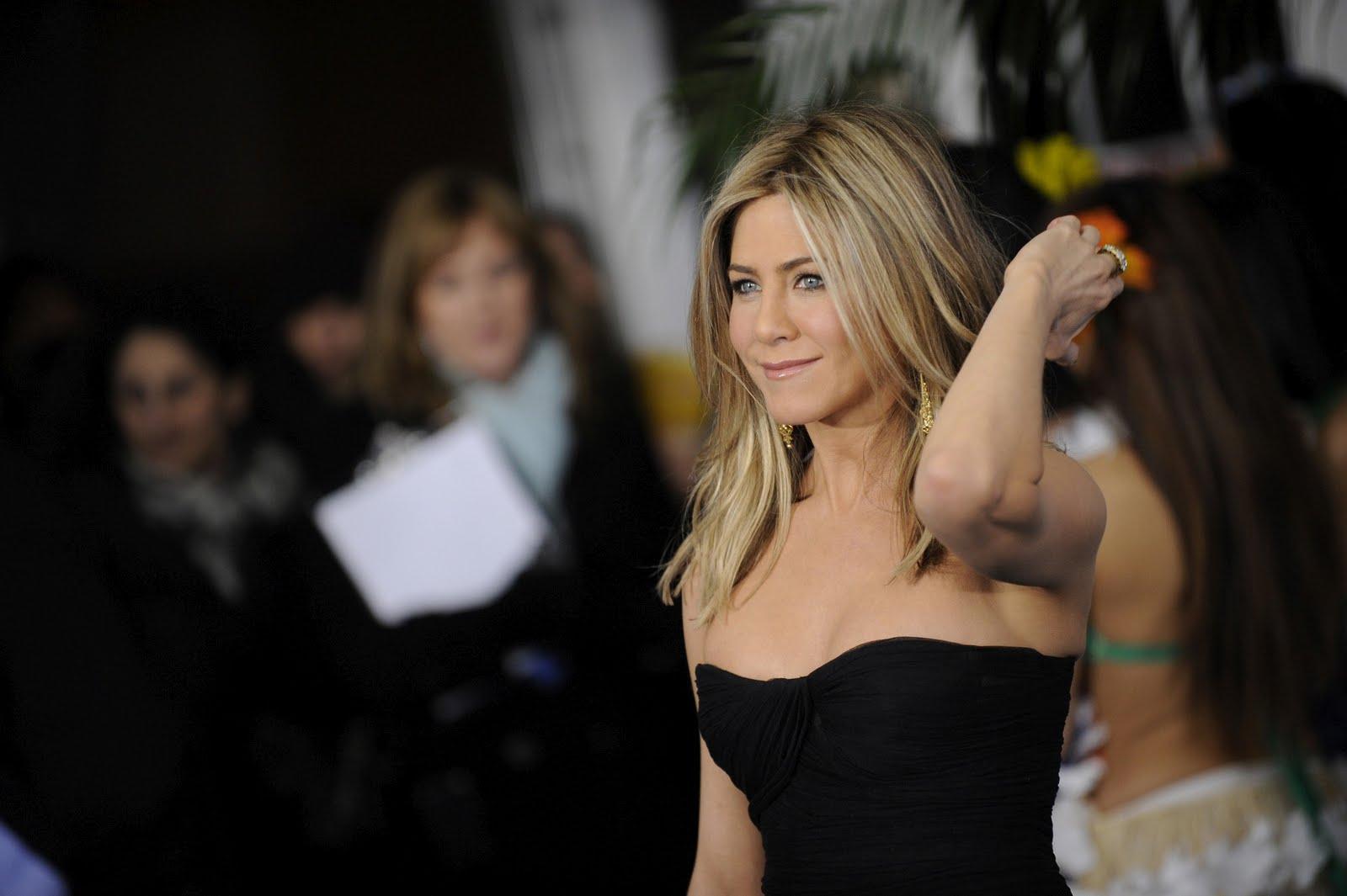 http://3.bp.blogspot.com/-8UHTla5q004/Tn4k4aMpOLI/AAAAAAAAHHA/Ch-BObPWCIM/s1600/Jennifer-Aniston-11.jpg