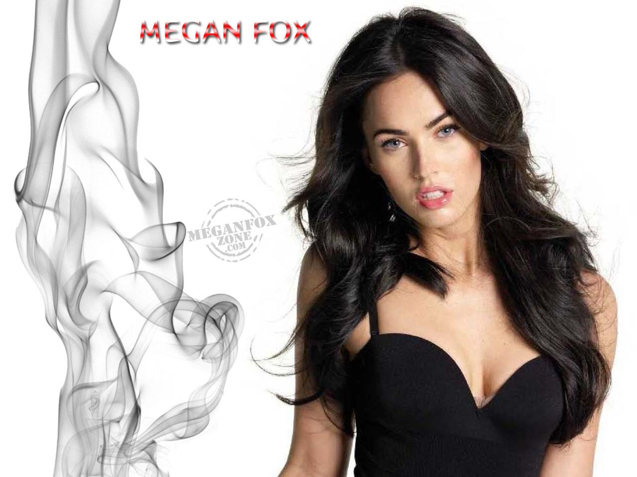 http://3.bp.blogspot.com/-8UUcAVcY504/TkKQx44RxbI/AAAAAAAAAGI/L9PwkHm5IZA/s1600/Megan-Fox-Wallpaper-7.jpg