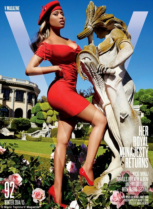 نيكي ميناج في صور جريئة لمجلة V
