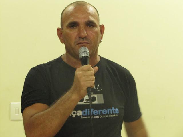 Locutor Raimundo Accioly - 99775176