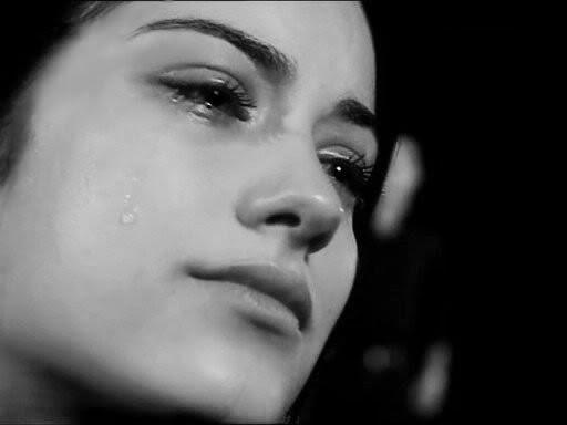 kisah inspiratif, motivasi cinta, perempuan menangis, cinta tulus