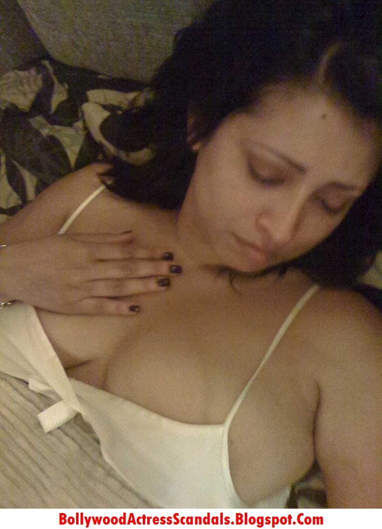 Real nude women big natural breasts