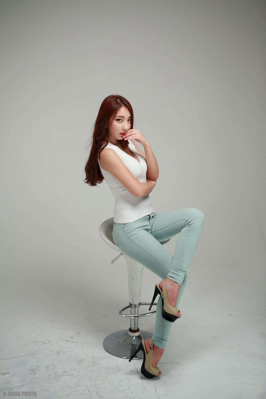 5 Mina - In Tight Blue Jeans - very cute asian girl-girlcute4u.blogspot.com
