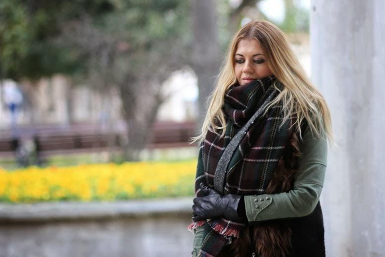 Palace Fashion Blogger