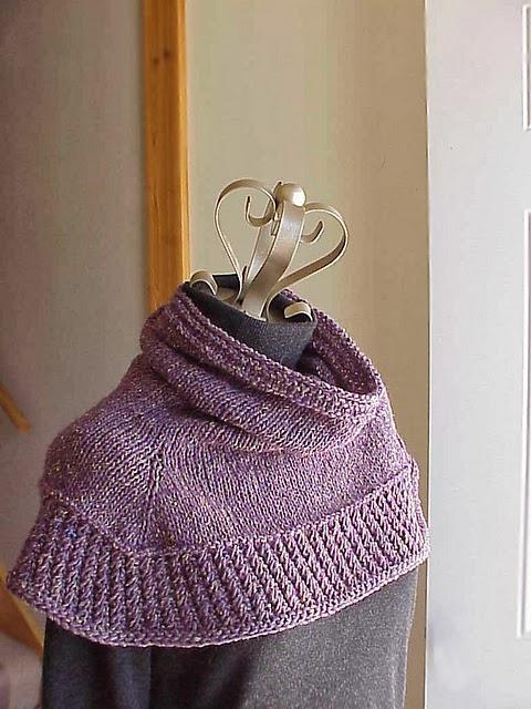 Kriskrafter: Free Knitting Pattern - Soft Shoulder Cowl
