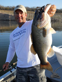 Joe Thomas on Lake El Salto with Anglers Inn