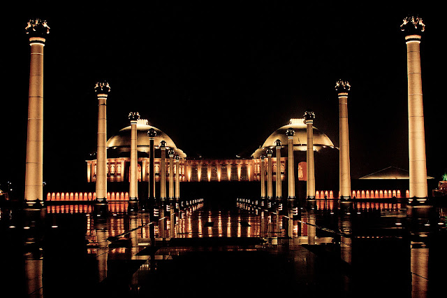 Night view of Ambedkar Park lucknow wallpapers