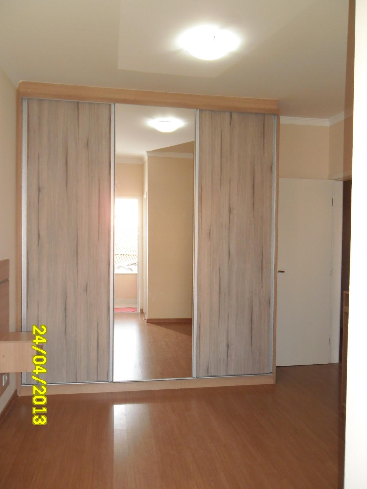 Guarda roupa de casal com porta de espelho #ABAE01 1200x1600 Armario Banheiro Modulado