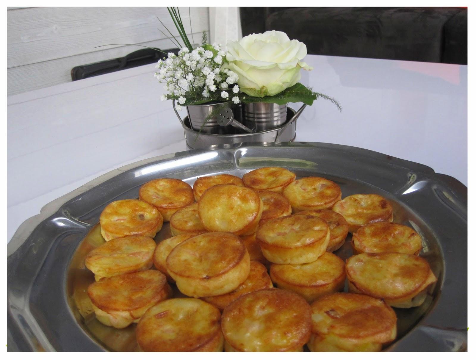 http://fleurdeseletcaramel.blogspot.fr/2013/01/bouchees-aperitives-saumon-fume-poireaux.html