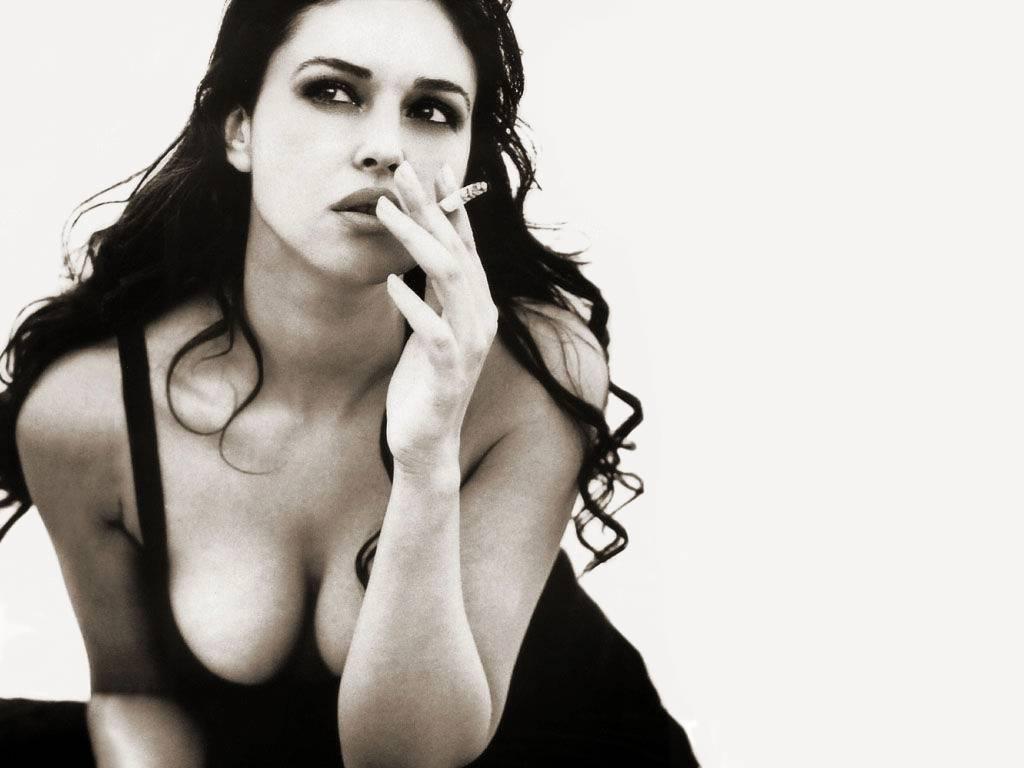 http://3.bp.blogspot.com/-8Vp4E7jD03Y/TVXYYhYNWDI/AAAAAAAAAgM/ozNVisz2180/s1600/Monica-Bellucci-82.JPG