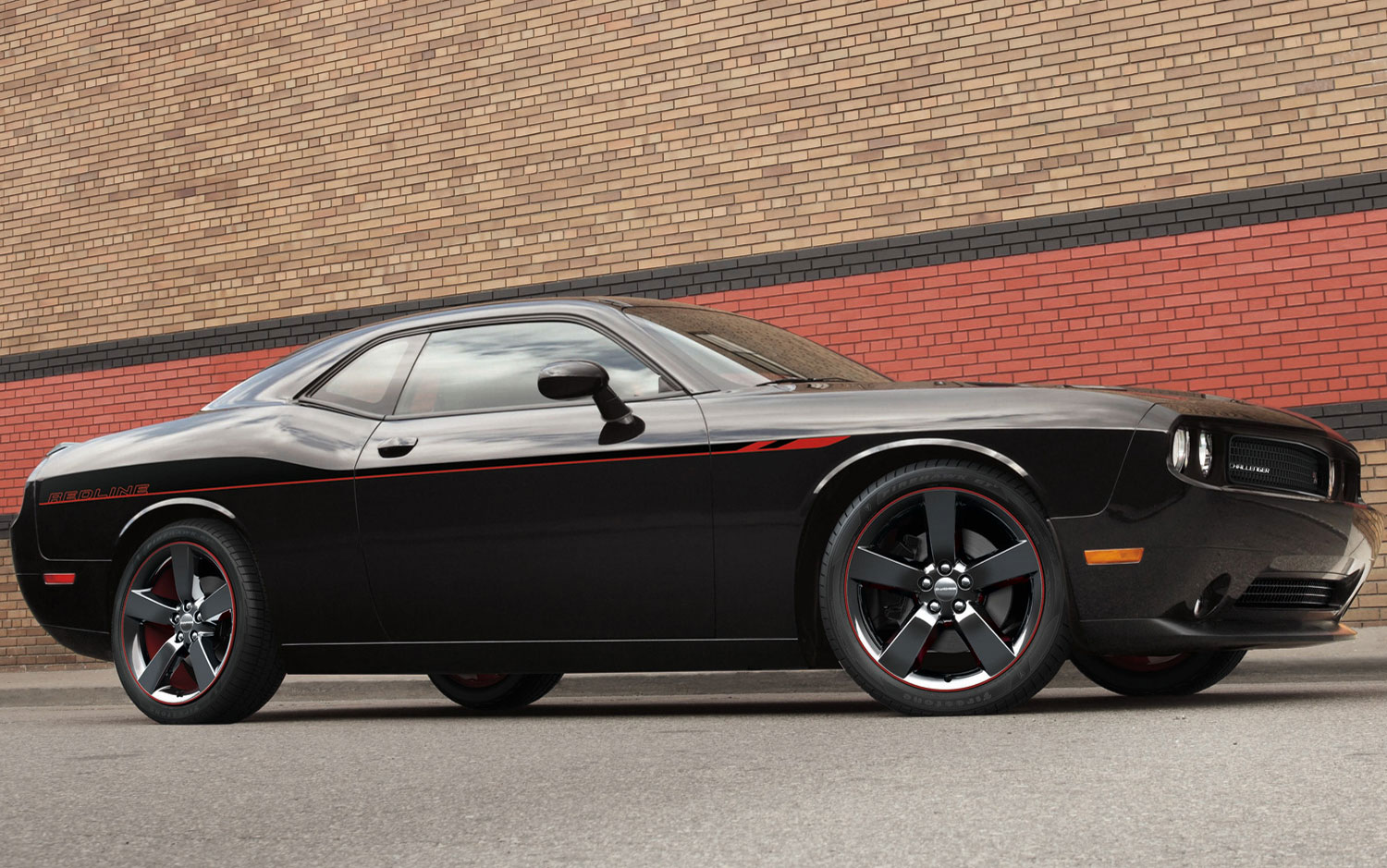 cars model 2013 2014 2013 dodge challenger rt redline to carry 32 985 msrp. Black Bedroom Furniture Sets. Home Design Ideas