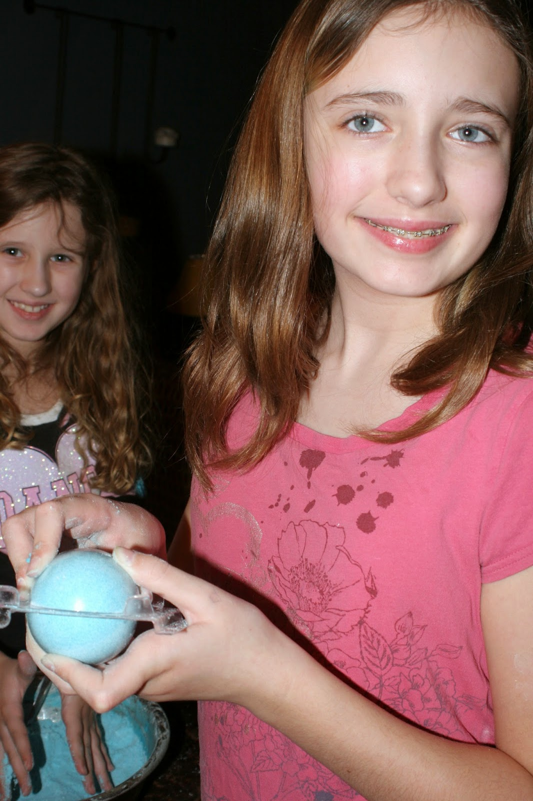 kids, kid friendly, kid friendly crafts, crafts, bath bombs, vase, Valentine's, diy, bracelets
